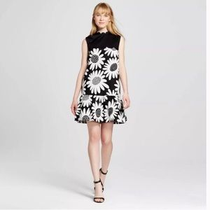 Victoria Beckham L target scalloped daisy dress